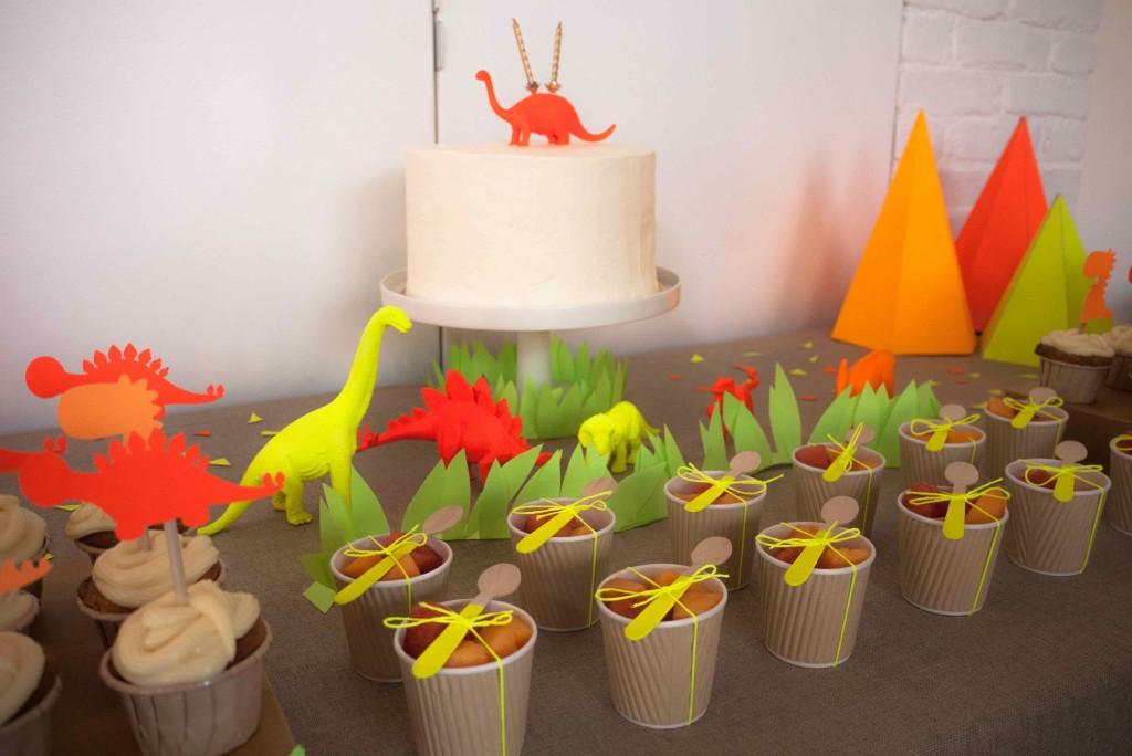 thème anniversaire dinosaures