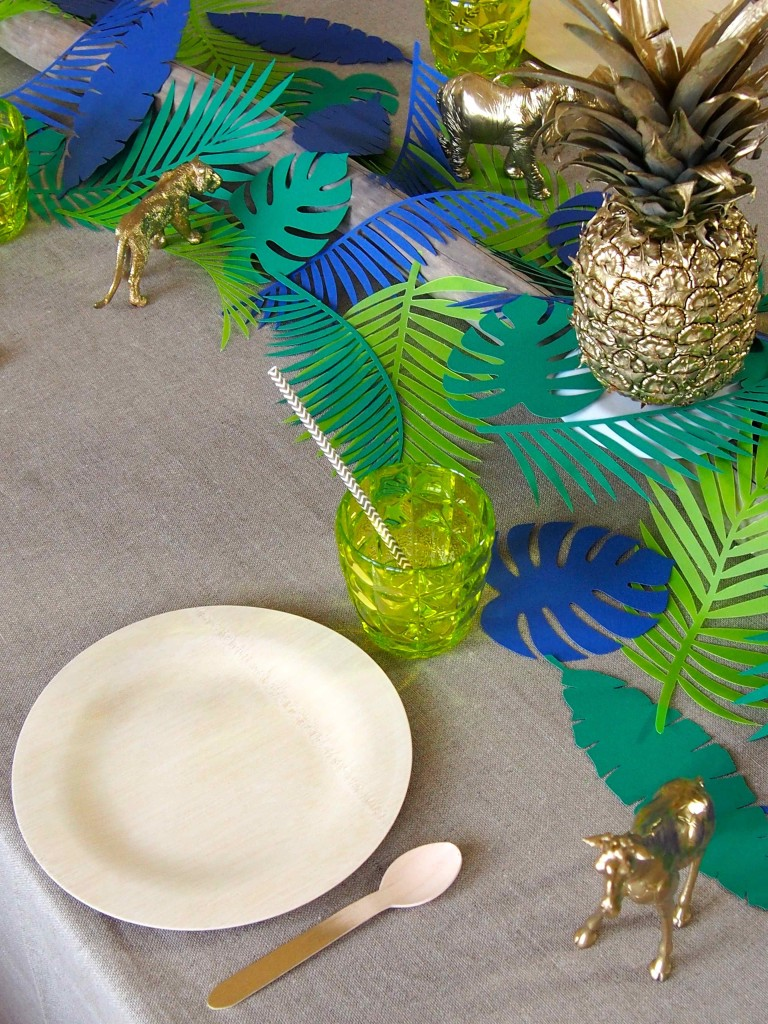 table jungle feuilles