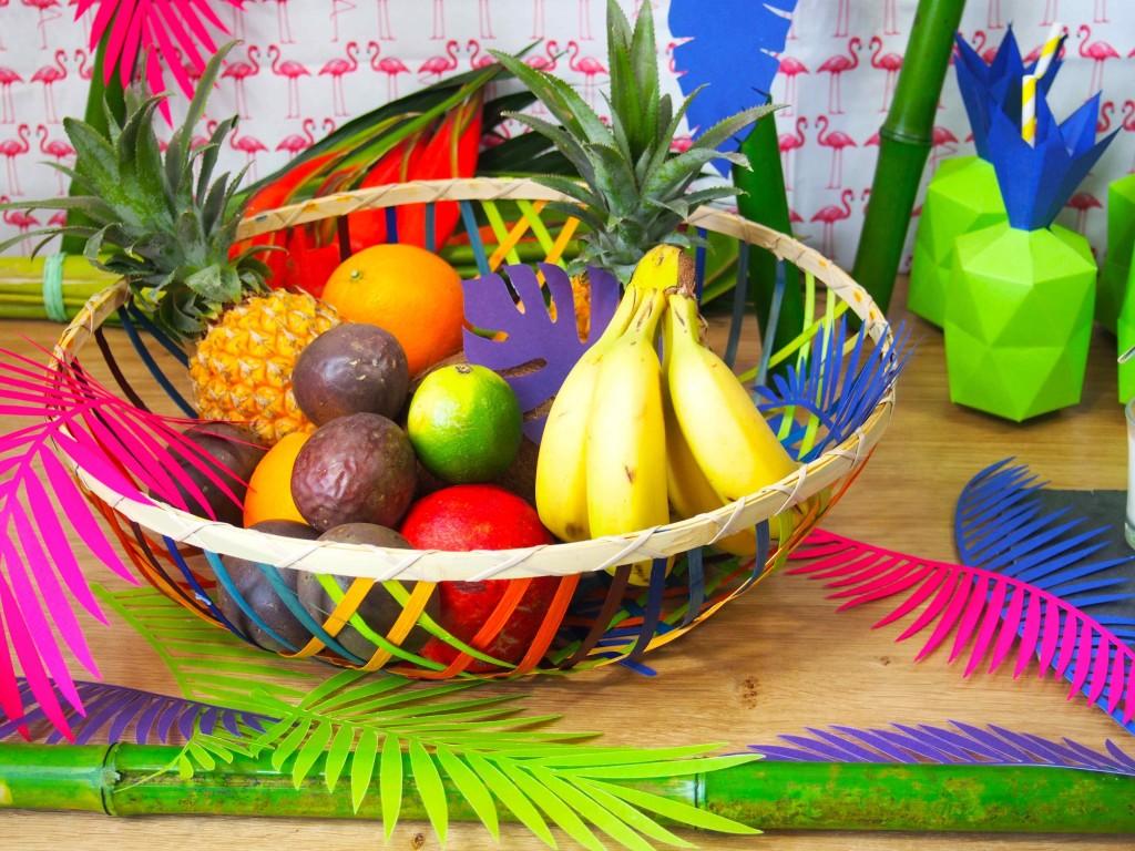 corbeille de fruits tropical