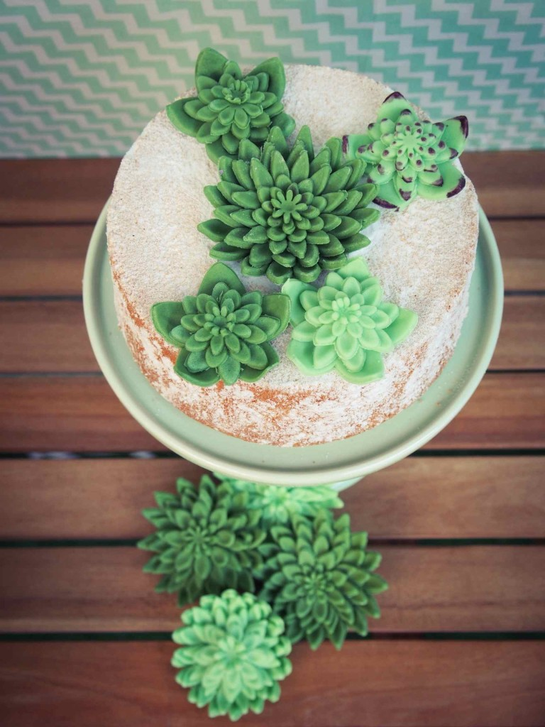 green cake sur présentoir miss etoile