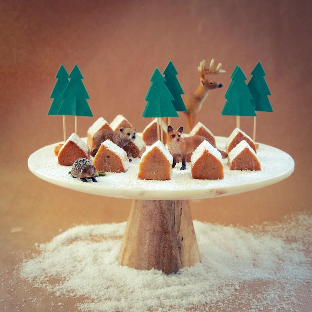 présentoir à gâteaux bois et marbre
