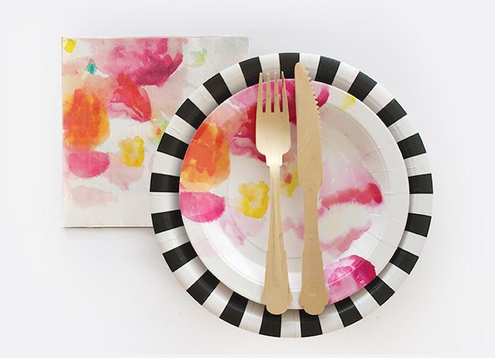 assiettes imprimés fleurs
