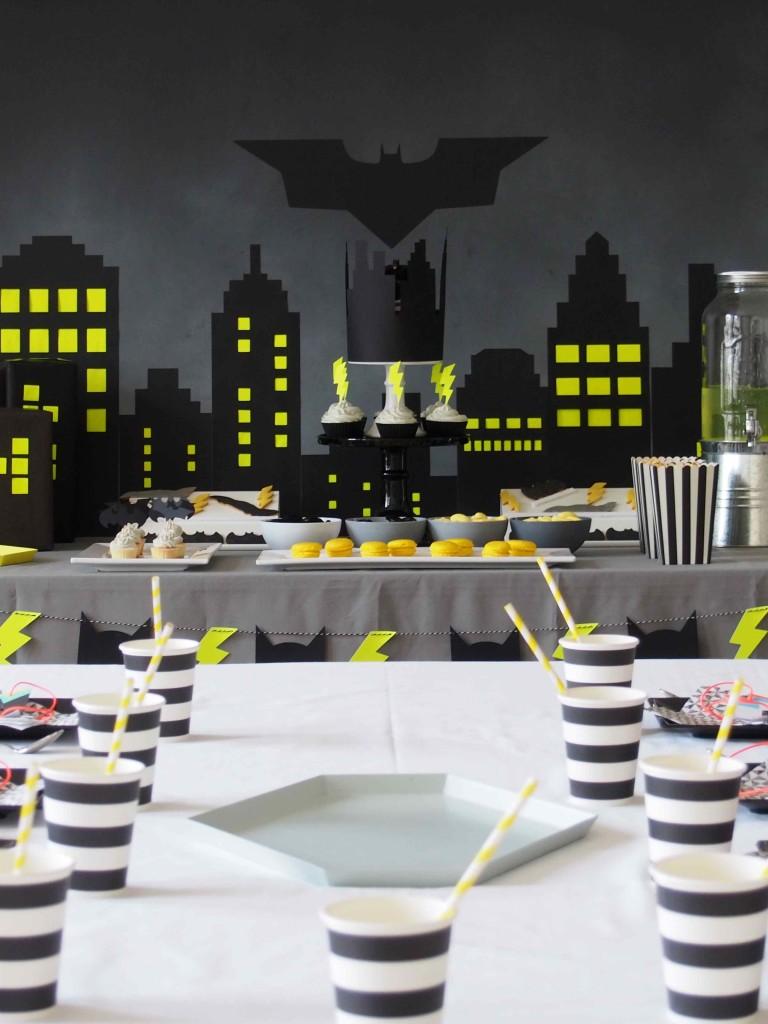 table déco anniversaire batman