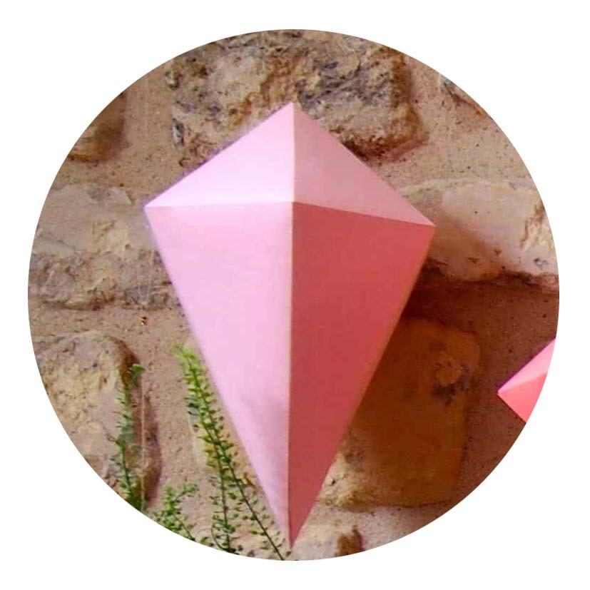 mes suspensions g om triques rose caramelle carnet d 39 inspiration. Black Bedroom Furniture Sets. Home Design Ideas