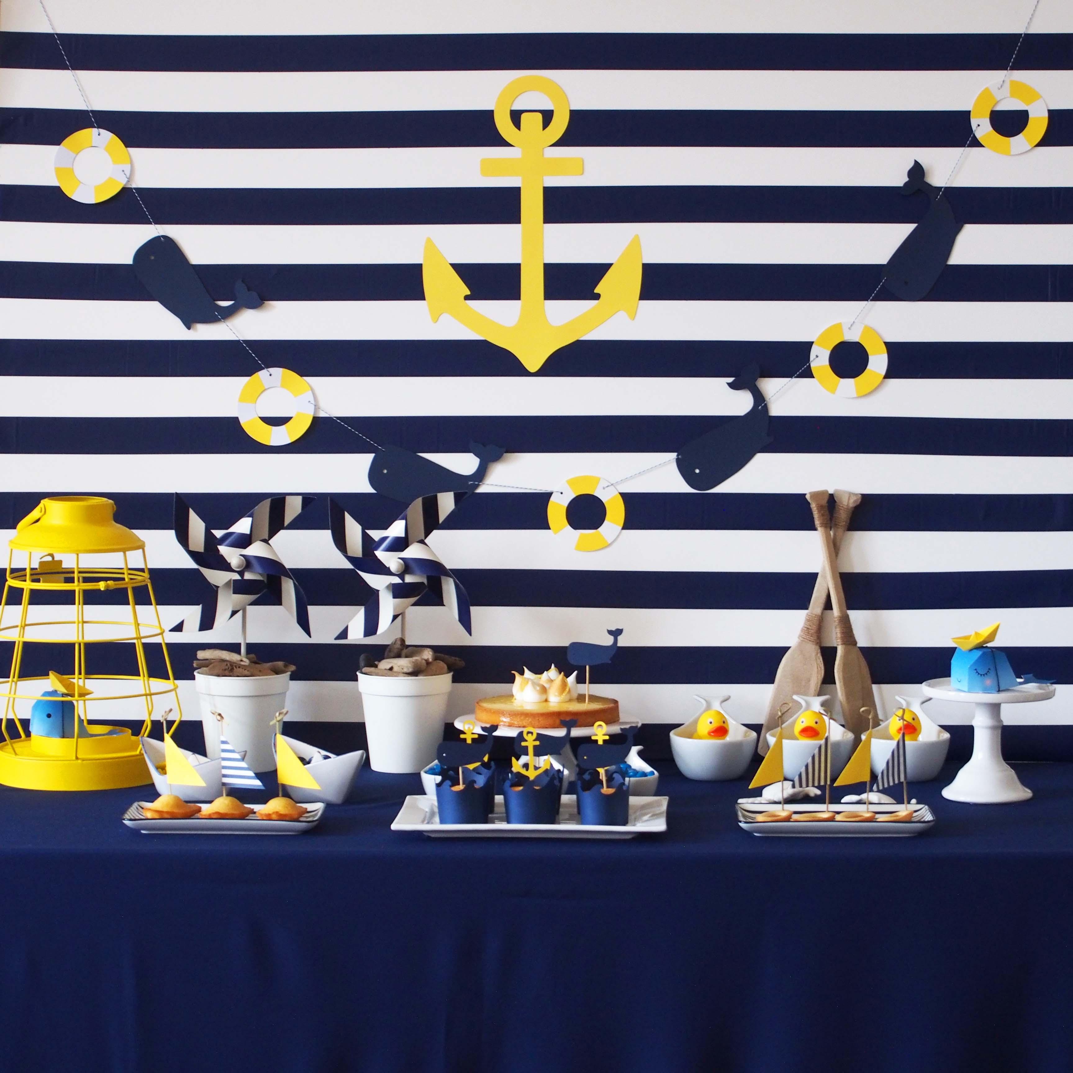 des marini res et des baleines pour une ambiance de f te. Black Bedroom Furniture Sets. Home Design Ideas