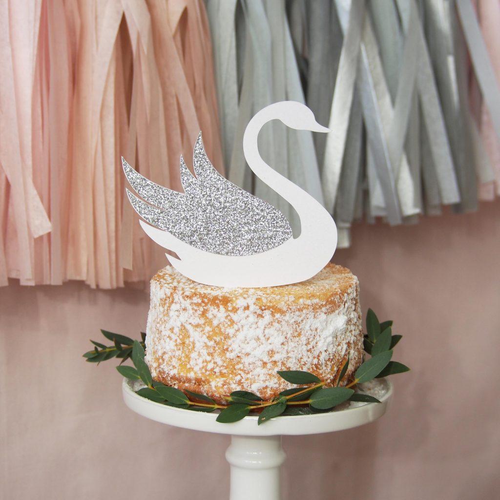 cake topper cygne