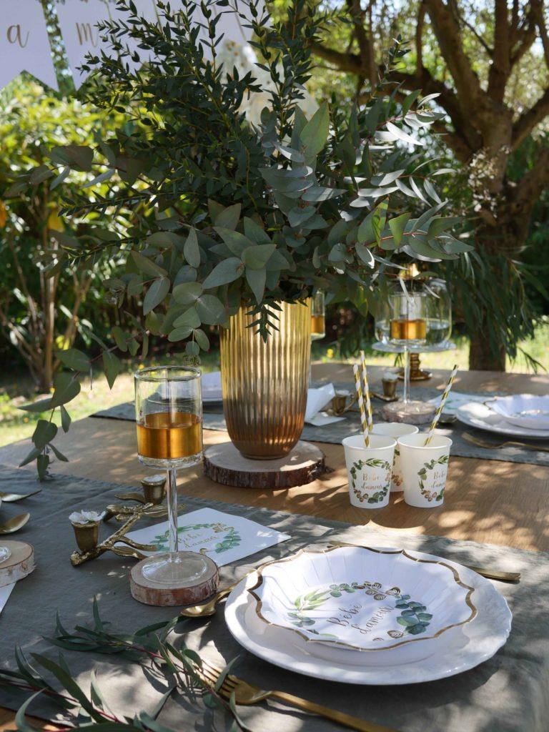 déco table baptême doré et blanc