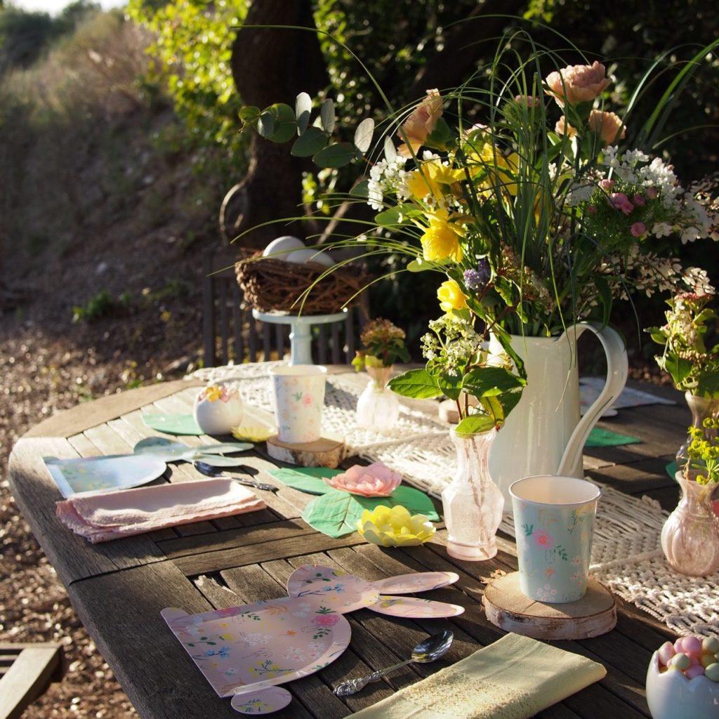 table vaisselle de pâques