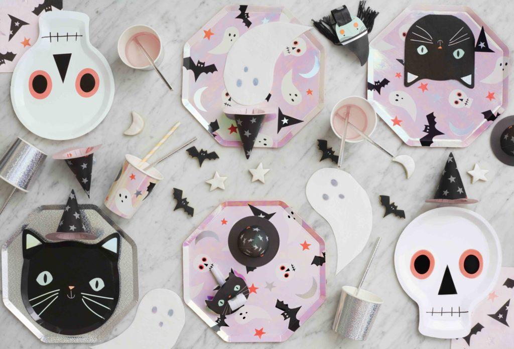 table halloween vaisselle holographique