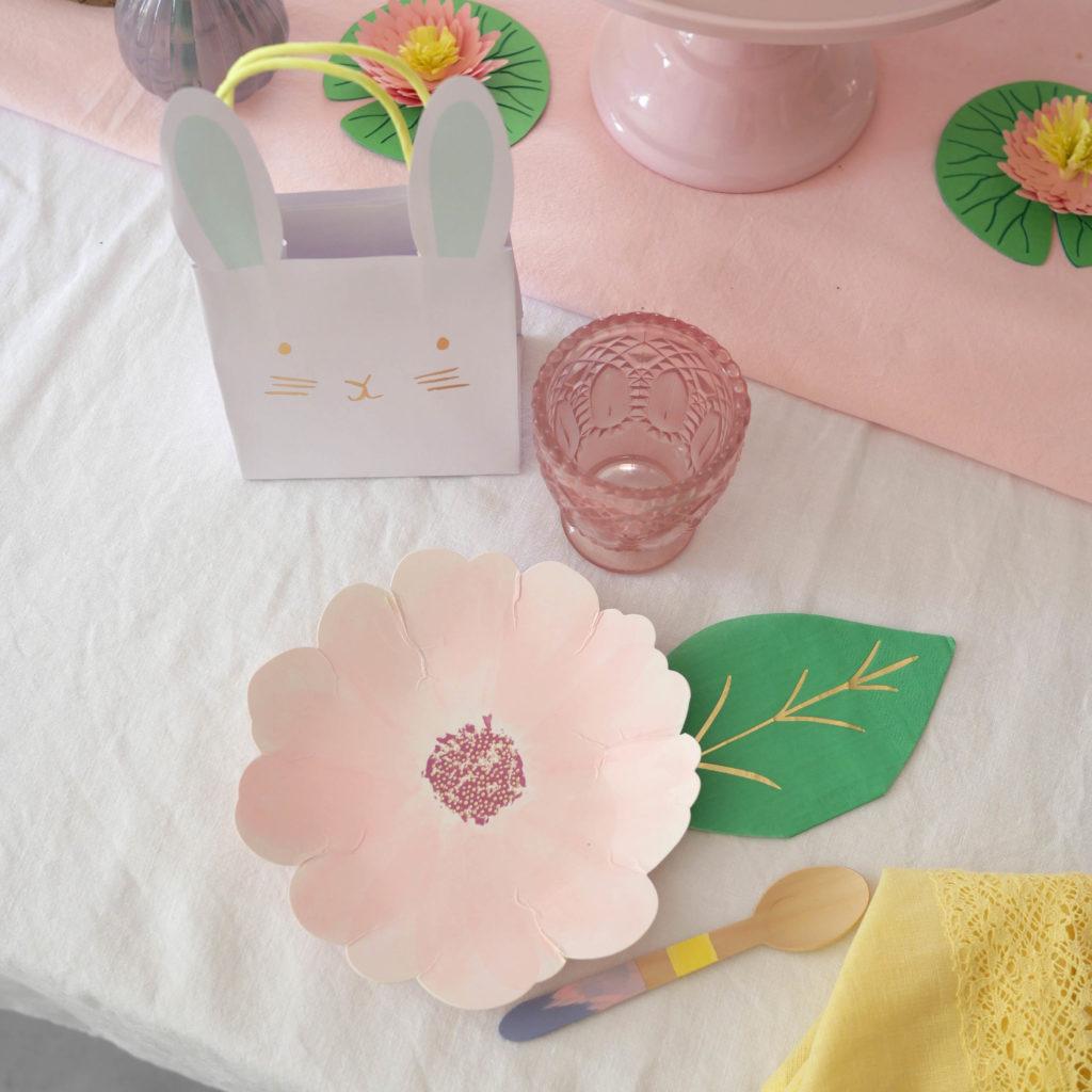 Assiettes fleurs Pâques