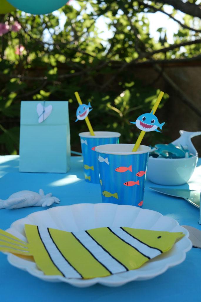 gobelets carton anniversaire requin
