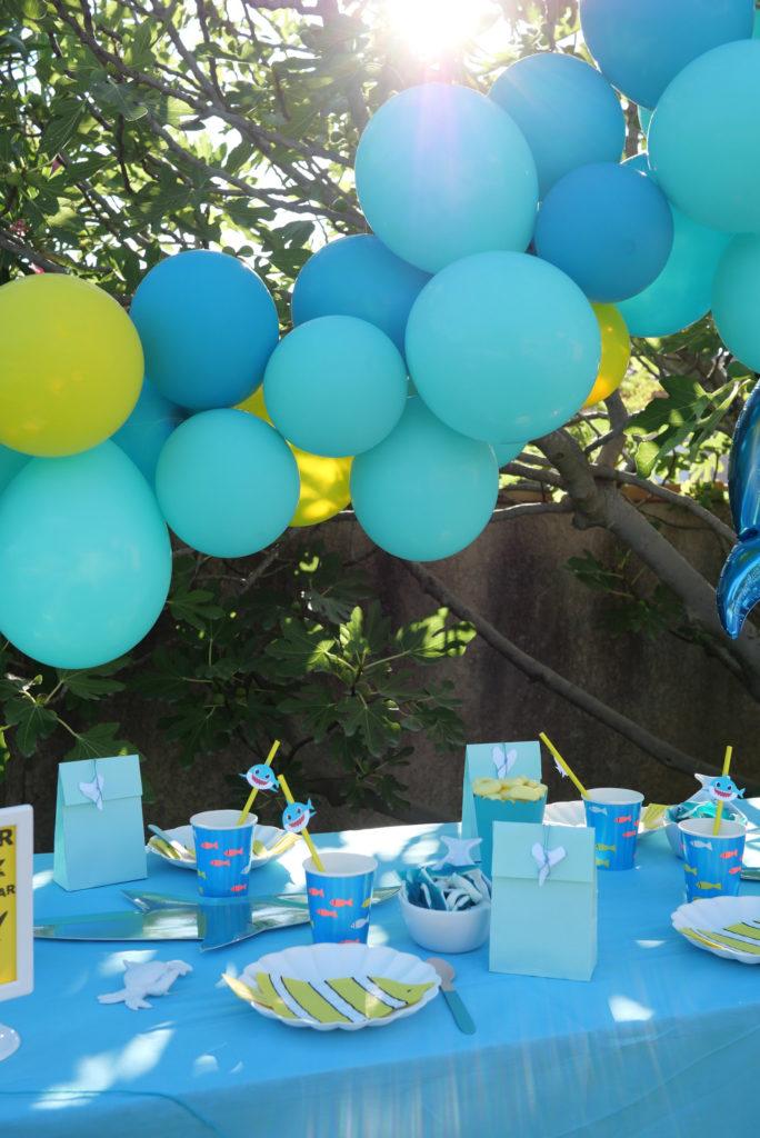 guirlande de ballons bleu Aqua et aune
