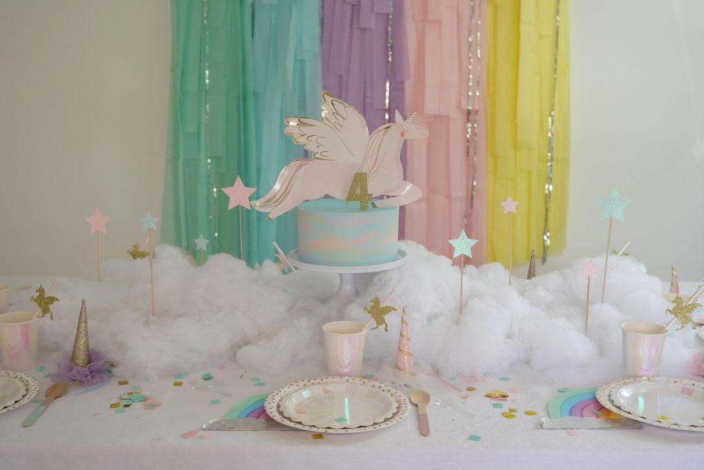 table anniversaire pastel licorne